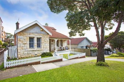 Idyllic Freestanding Beachside Home. Offering Level Land, Extra Wide 12+m Frontage + Enormous Potential to Renovate/Rebuild/Redevelop