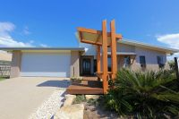 18 Panoramic Way, Bargara