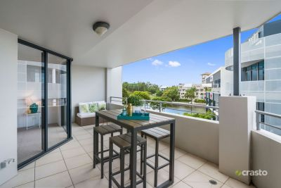 Modern & Immaculate Unit with Water Views near Bond University!
