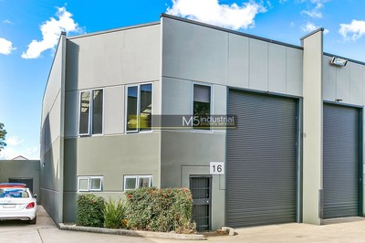 171m² - Industrial Strata Unit - Moments from the M5 !