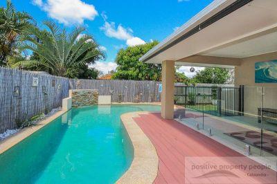 Huge Home, 2 Living Areas, Resort Pool!