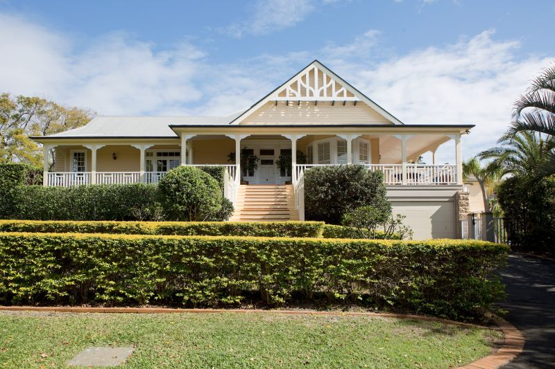 Additional photo for property listing at 'Linstarfield' Magnificent Colonial landmark  Clayfield, Queensland,4011 Австралия