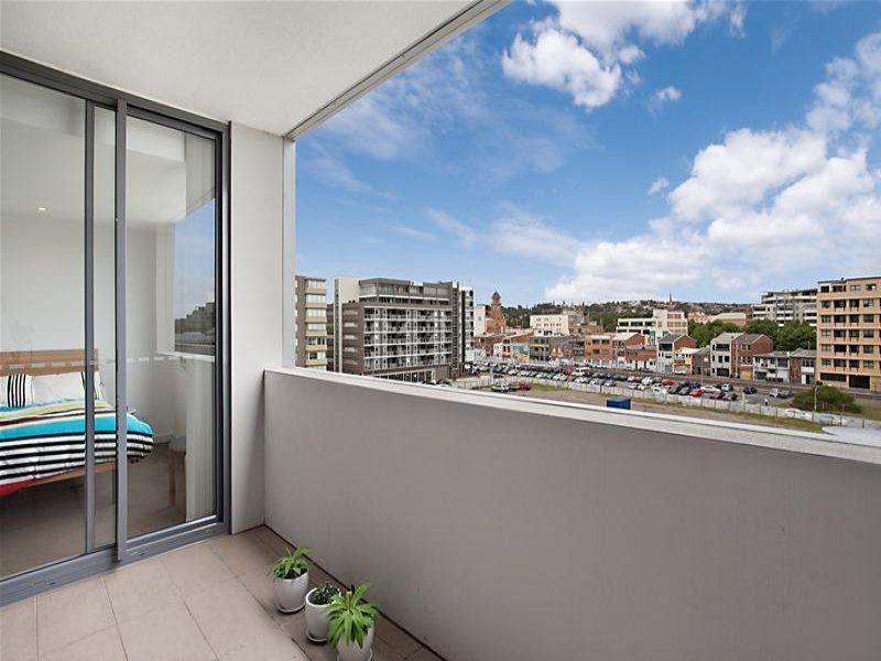 405/15 Honeysuckle Drive, NEWCASTLE