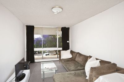 Superb Opportunity!! Affordably Priced Harbourside Apartment. Ideal 1st Home /Investment with Parking