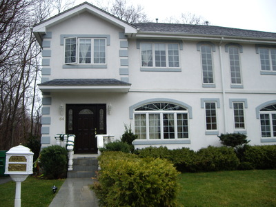 Just Listed! Lovely Townhouse Style Duplex Condo completely renovated!