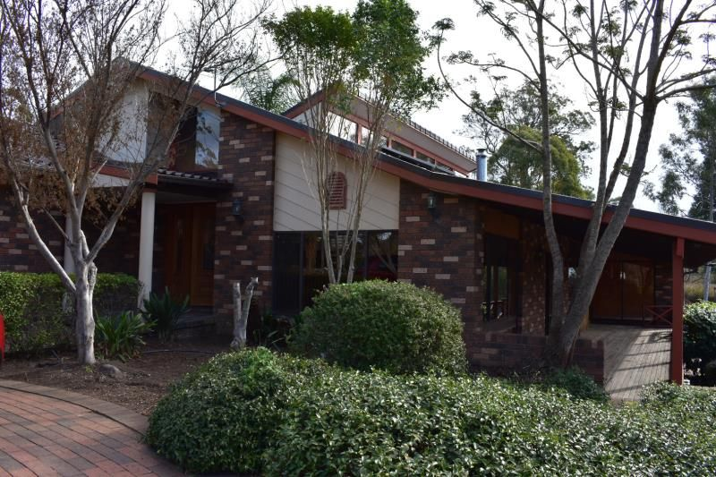 Large family home PLUS two bedroom unit