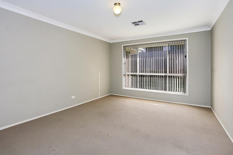 34 Nowlan Crescent, Singleton Heights