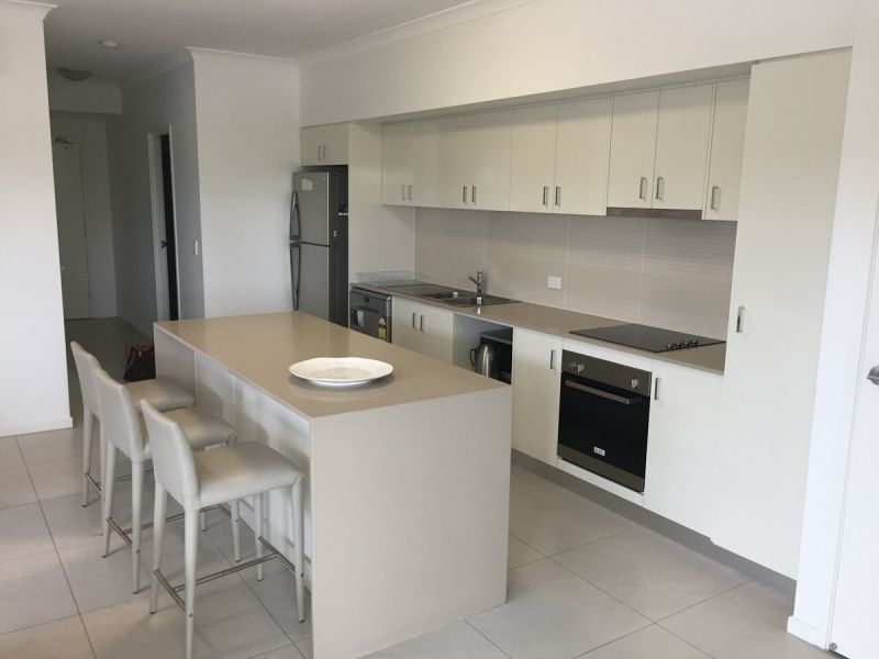 FULL FURNISHED AS NEW 2 BEDROOM IN THE HEART OF KANGAROO POINT