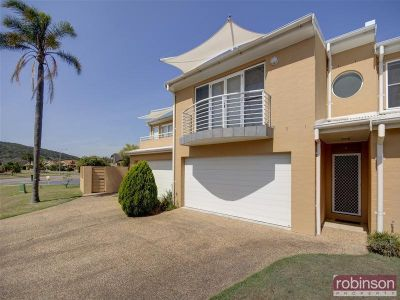 2/8 Ala Moana Way, FINGAL BAY