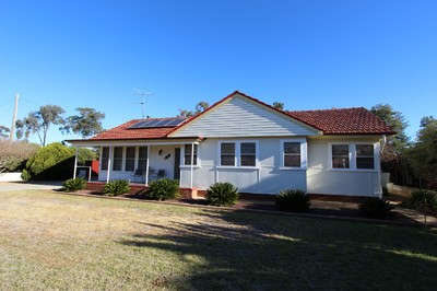 THE PERFECT FAMILY HOME IN A CONVENIENT LOCATION