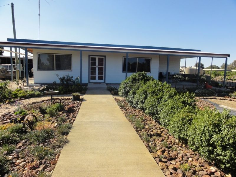 Home on 30 Acres of Brigalow Country