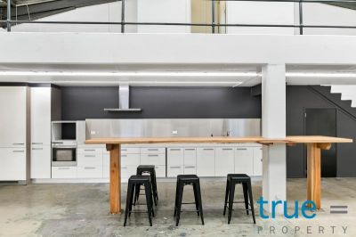 RARE CREATIVE WAREHOUSE CONVERSION = LIVE AND WORK FROM HOME