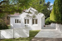 Gorgeous Cottage and big backyard