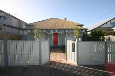 Renovated Charming Home - Gardener Included!