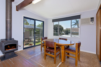 31, Norman St, LAURIETON - Julie Fullbrook