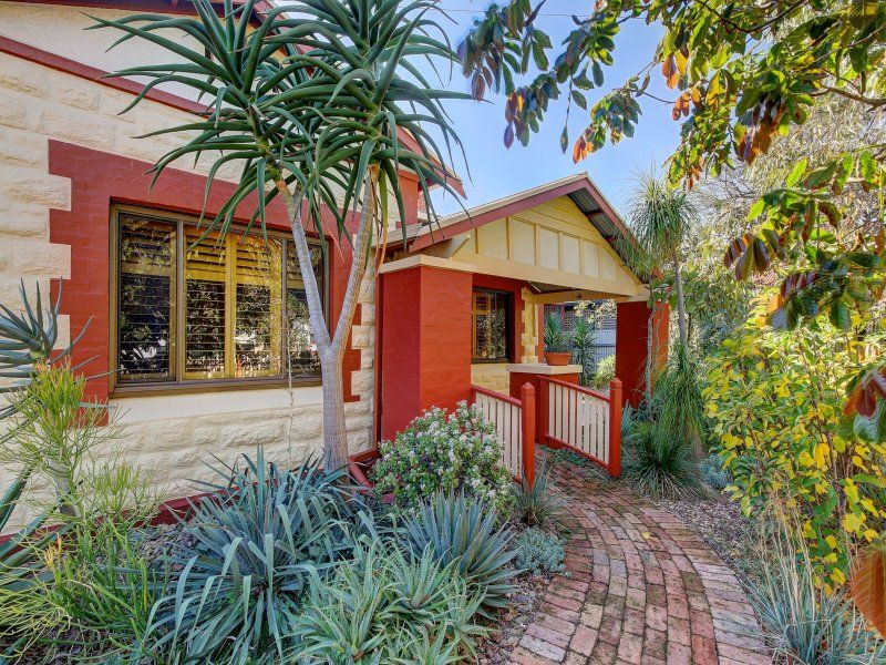 A Wonderful Safe Suburb To Raise Your Family - Character Laden Stone Fronted Bungalow - Olde World Leafy Gardens Set On A Traditional Size Allotment