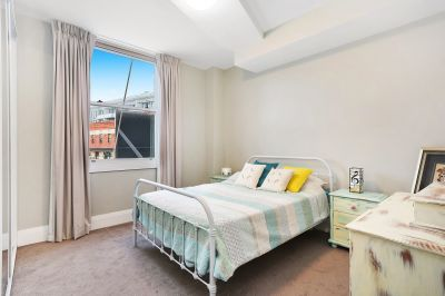 Modern and Bright in Fantastic Location - Furnished or Unfurnished