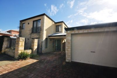 FABULOUS TWO STOREY HOME IN THE HEART OF NORTH PERTH!!