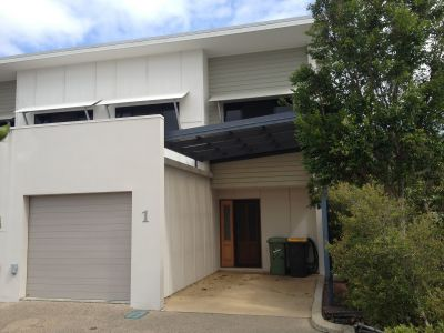 SPACIOUS NORTH MACKAY TOWNHOUSE