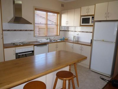 Two fully furnished rooms available in immaculate share house!