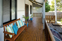 STYLISH RENOVATED COTTAGE – UNDER 300mts TO WATERFRONT