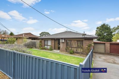BEAUTIFULLY MAINTAINED UNIT - SUPERB TENANTS !!!!!