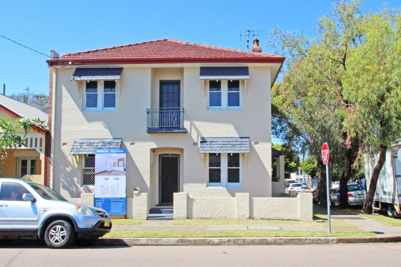 Sold at Auction - Entire Block of 2 Apartments with parking