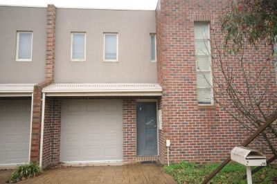 CENTRAL LOCATION TOWNHOUSE