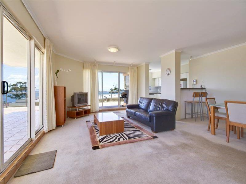 103/2 Messines Street, Shoal Bay
