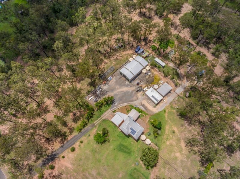 Shed Space For Cars, Machinery, Semi Trailers & Toys- Large Renovated Family Home - 2 Dams on 16.5 Acres
