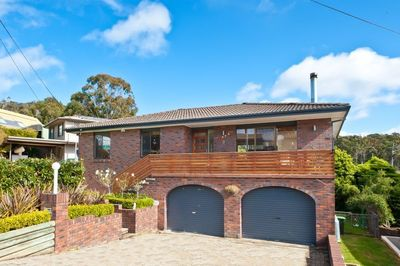 Modern Family Home In Beautiful Tathra