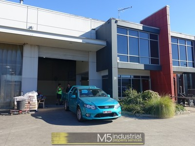 240m² - Modern Strata Unit With HUGE POWER