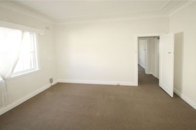 BRIGHT & SPACIOUS ONE BEDROOM APARTMENT RIGHT IN THE HEART OF BONDI JUNCTION!