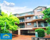 Immaculate 3 Bedroom Unit. Massive Living Area. Double lock up garage. Walk to Parramatta CBD