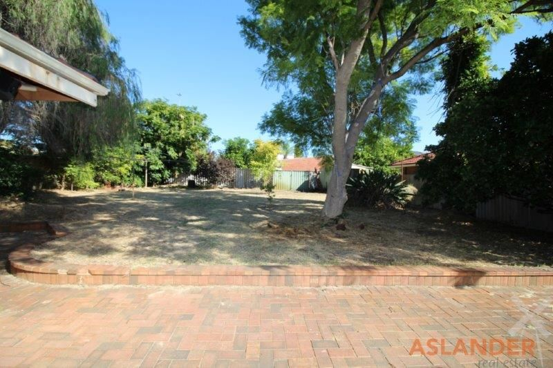 LARGE HOME ON BIG BLOCK - EASY ACCESS TO PUBLIC TRANSPORT