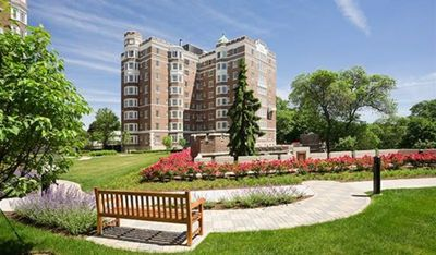Luxury Unit in Premier Brookline location!