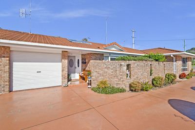 Premier Villa Home – Well Located In East Port