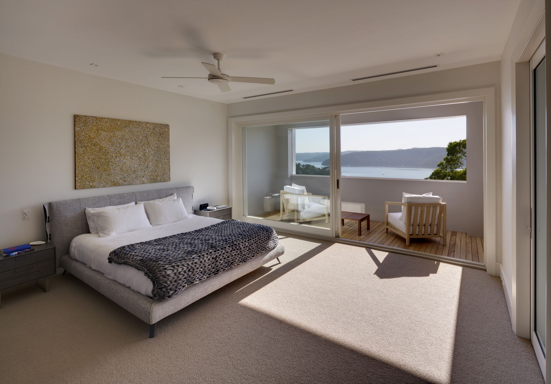 Additional photo for property listing at A new contemporary residence with spectacular views 24 Bynya Road Palm Beach, New South Wales,2108 Австралия