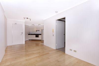 Contemporary flow through residence