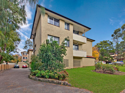 Renovated two bedroom apartment, in convenient location