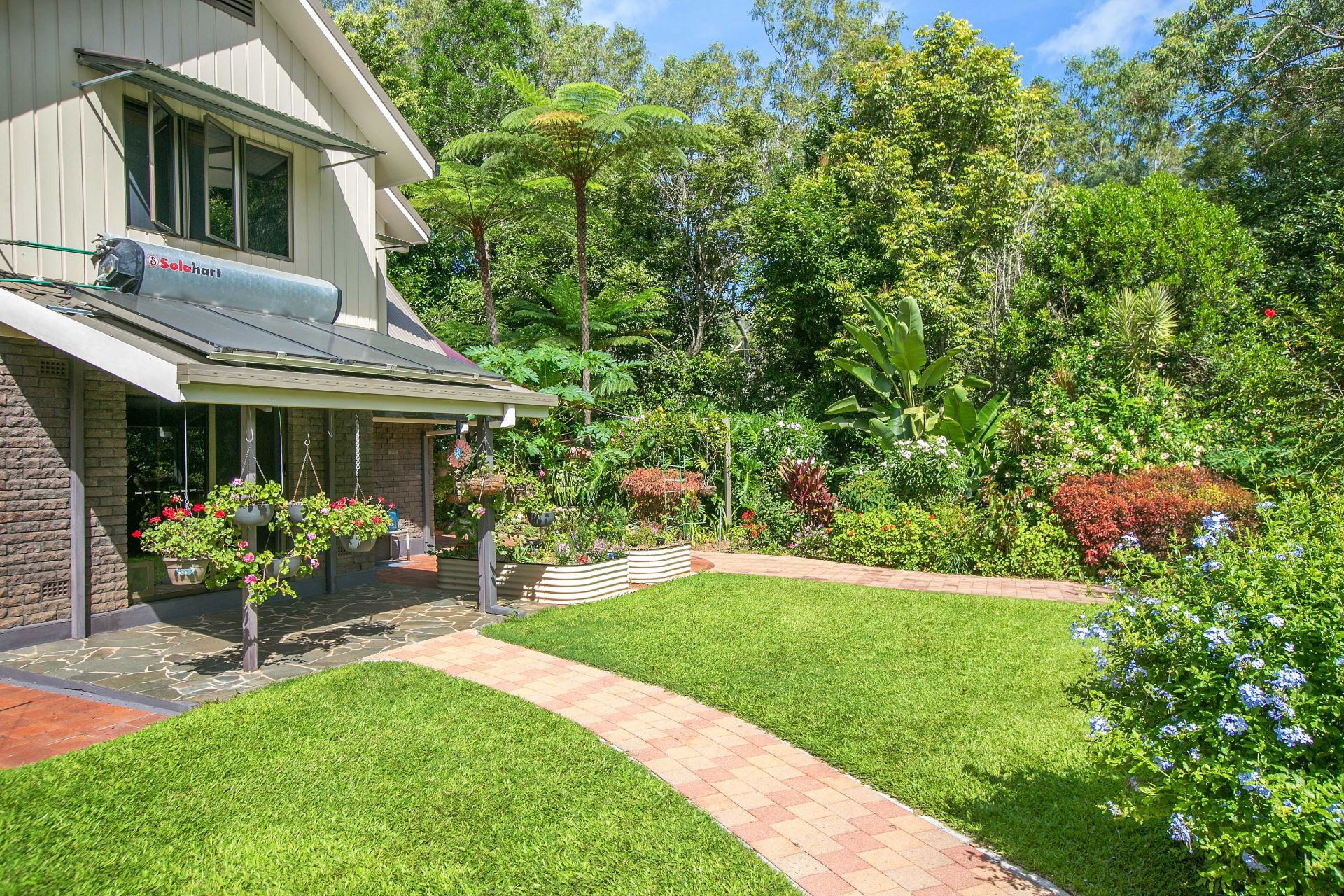 Additional photo for property listing at Idyllic tablelands rainforest retreat with breathtaking grounds   Queensland,4883 Австралия