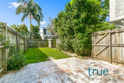 PERFECTLY LOCATED HOME IN THE HEART OF ERSKINEVILLE