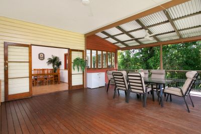 COUNTRY CHARM JUST 10 MINUTES FROM THE CBD