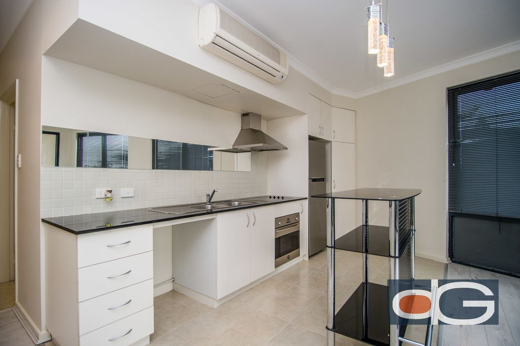 15/2 Pensioner Guard Road, North Fremantle