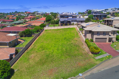 Large Land – Lighthouse Area – Townhouse Potential