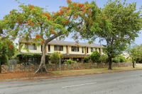 5 STRATA  TITLE  UNITS - EAST OF OXLEY