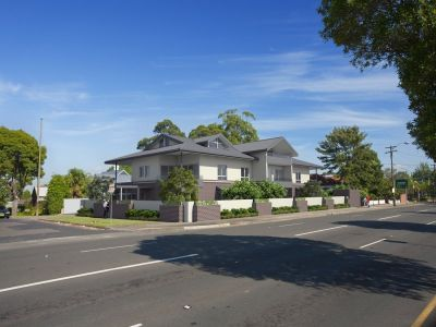 Boutique Complex of Ten - From $679,000-$820,0002&3 Bedroom Apartments. All with 2 Bath.1&2 Secure Car space. All with Storage.