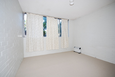 Delightful 2 Bedroom Unit - 2 WEEK FREE RENT INCLUDED !!