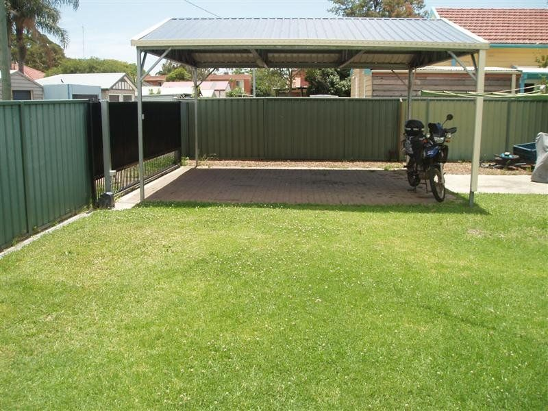 8 Brown Road, BROADMEADOW