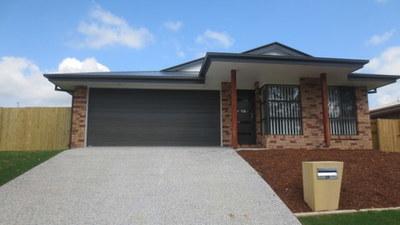 Brand new 4 bedroom property in the Waverley Parks Estate Pimpama.